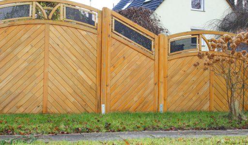 Richtige Pflege für Holzzäune